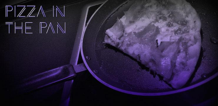 Pizza schmeckt aufgewärmt einfach fad? Stimmt nicht! Wir verraten euch unseren ultimativen Trick.
